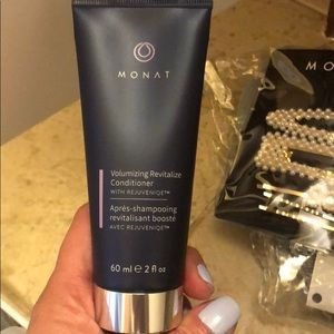 Monat volumizing conditioner
